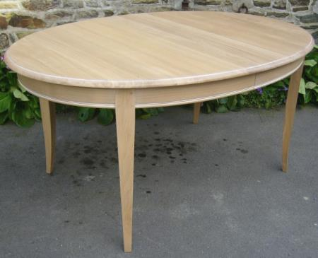 Table ovale pour 8 personnes for Table ovale 10 personnes